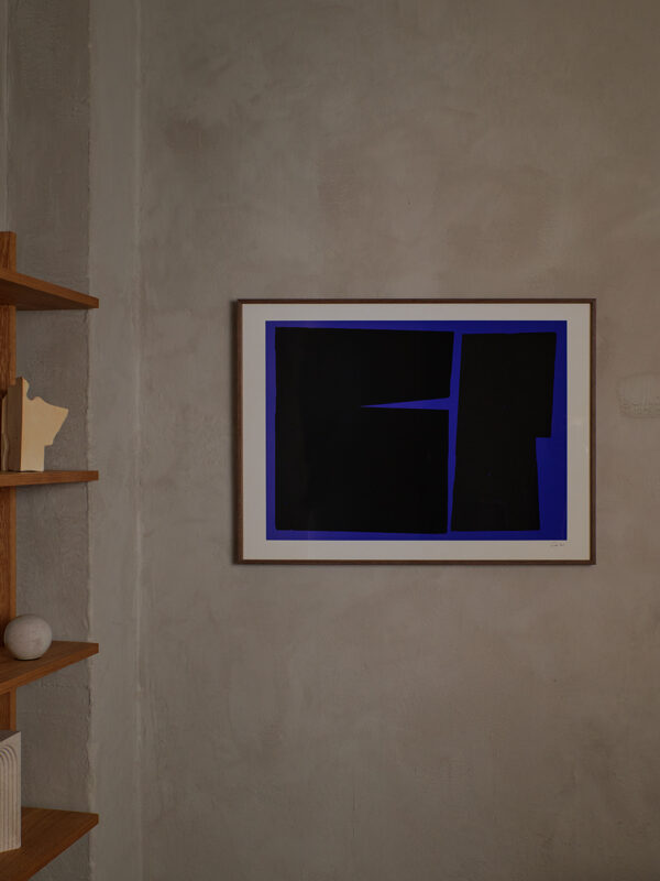 Carsten_Beck_Blue_Geometric_02_Close_Up3_Low_Res-600x800